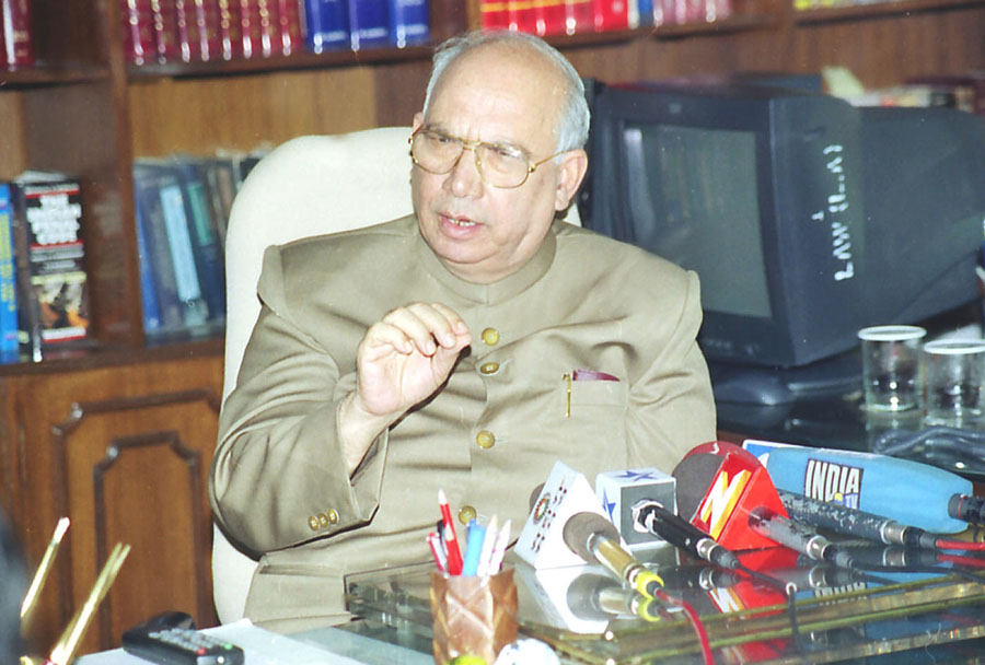 Former Union law minister and Congress veteran Hansraj Bhardwaj (in picture) is survived by his wife, a son and two daughters. Bhardwaj celebrated his 60th wedding anniversary on February 29.