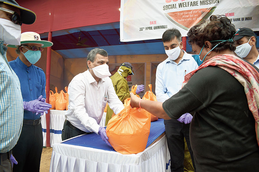 Distribution of essential items at the main gate of IIT-Kharagpur on Monday