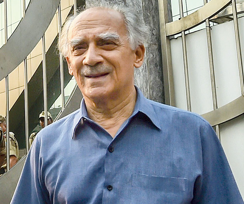 Beware of the device: Shourie