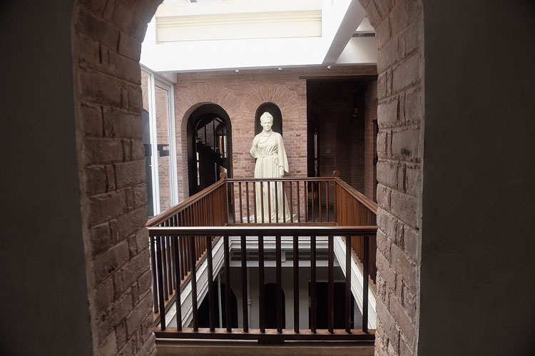 Sister Nivedita's statue on the first floor of the building.