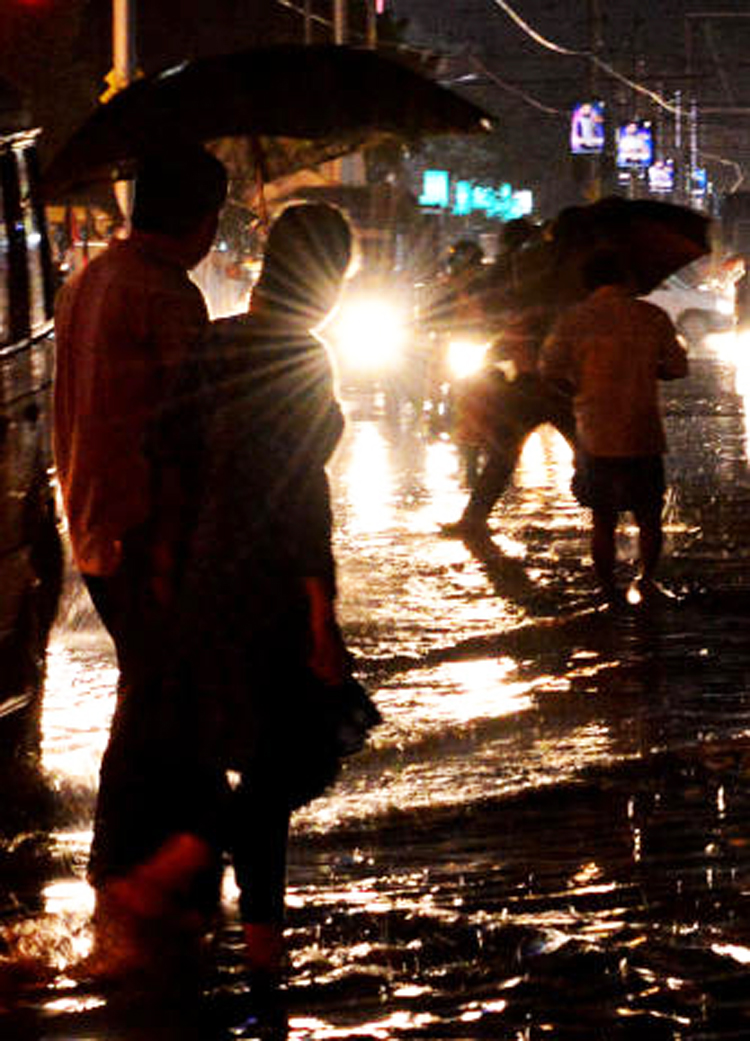 The system, over 230km from Calcutta on Tuesday, is expected to gain strength while passing over coastal Bengal.