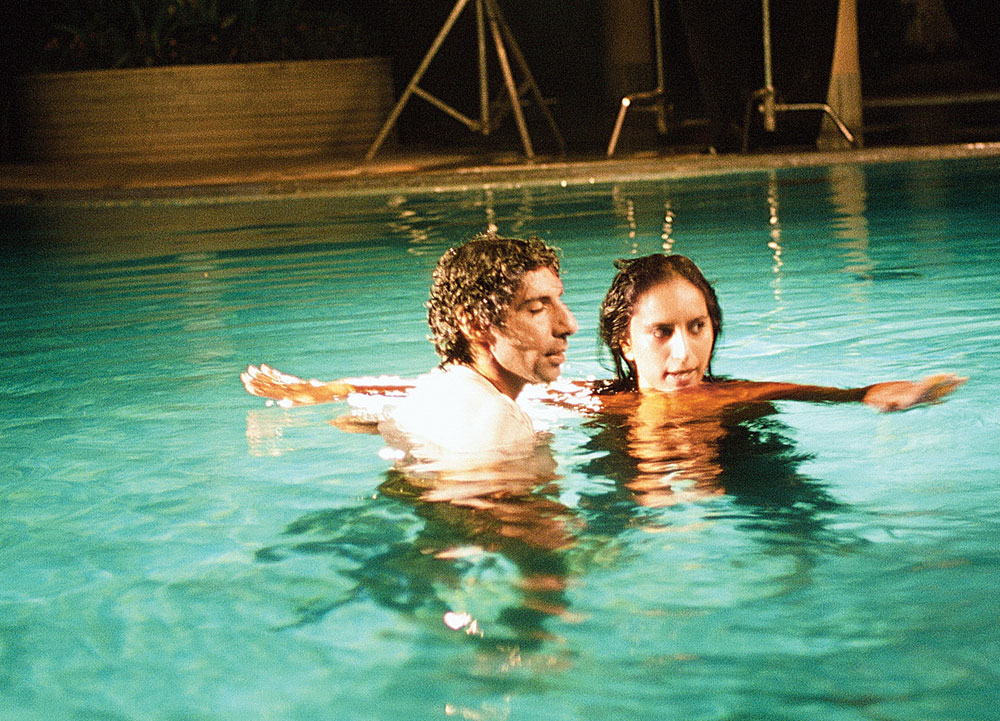 Jim Sarbh and Zoya Hussain shooting the video for cold/mess.