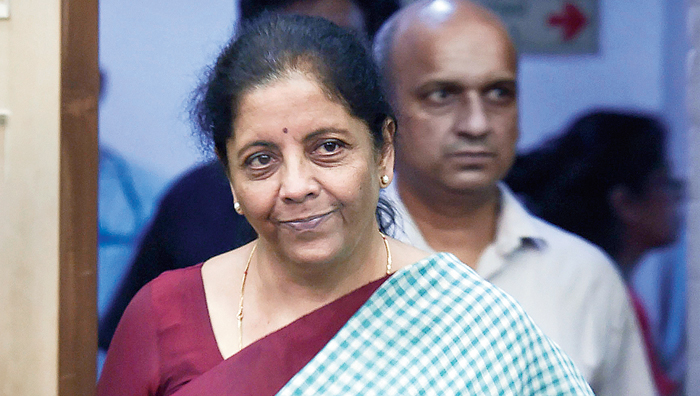 Just before her press conference, Union minister Nirmala Sitharaman faced irate depositors of Punjab and Maharashtra Co-operative (PMC) Bank outside the BJP's office in Mumbai