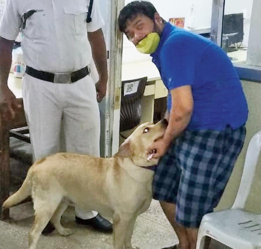 Shabby with Ankit Gupta at the Phoolbagan police station