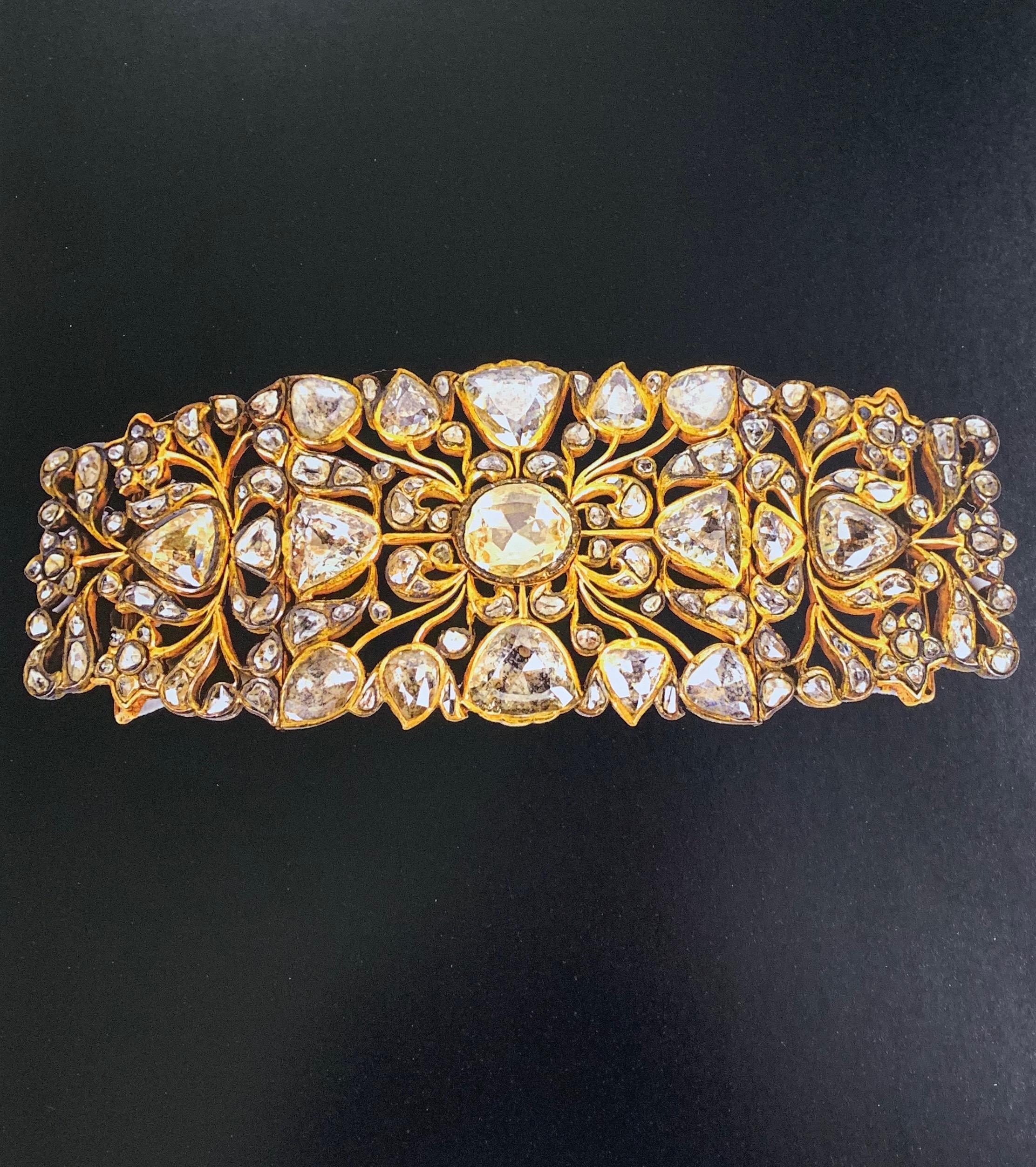 Baglus Almas -- Gold buckle set with diamonds