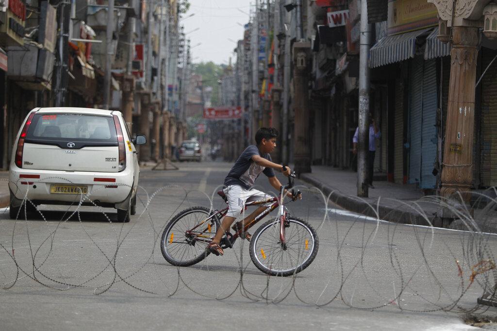 India tempts fate in Kashmir
