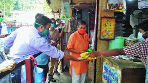 Officials during the inspection of a market in Burdwan town on Saturday.
