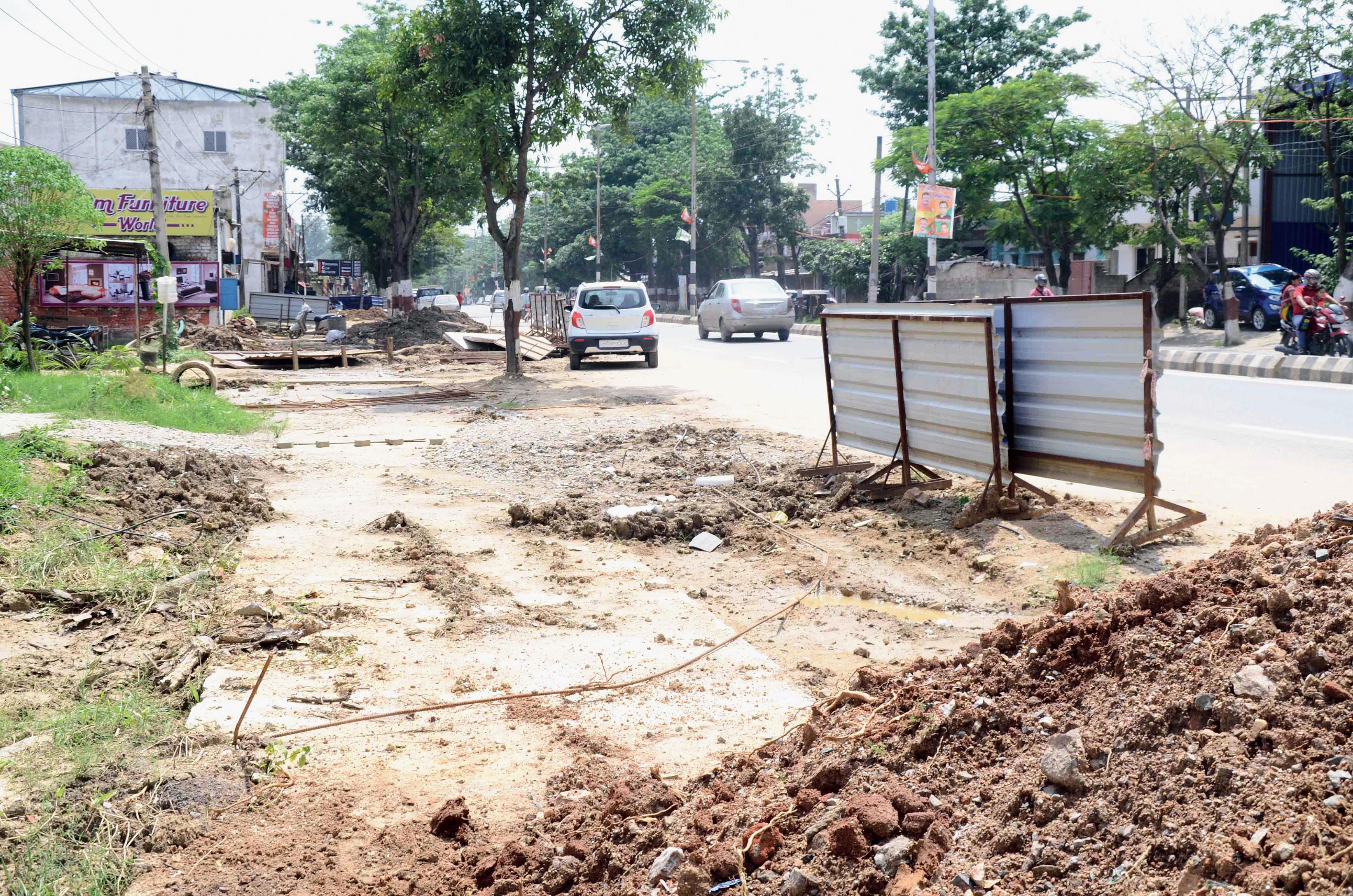 The area dug up along the smart road at Harmu in Ranchi.