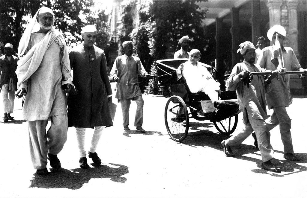 Abdul Ghafar Khan, Nehru, and Sardar Patel at Simla for the independence conference, 1946