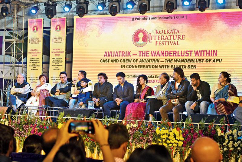 (L-R) Mitra Bandopadhay, Gaurang Jalan, co-producer, Avijatrik, Subhrajit Mitra, child artiste Ayushman Mukherjee, Bickram Ghosh, Arjun Chakrabarty, Ditipriya Roy and Barun Chanda.