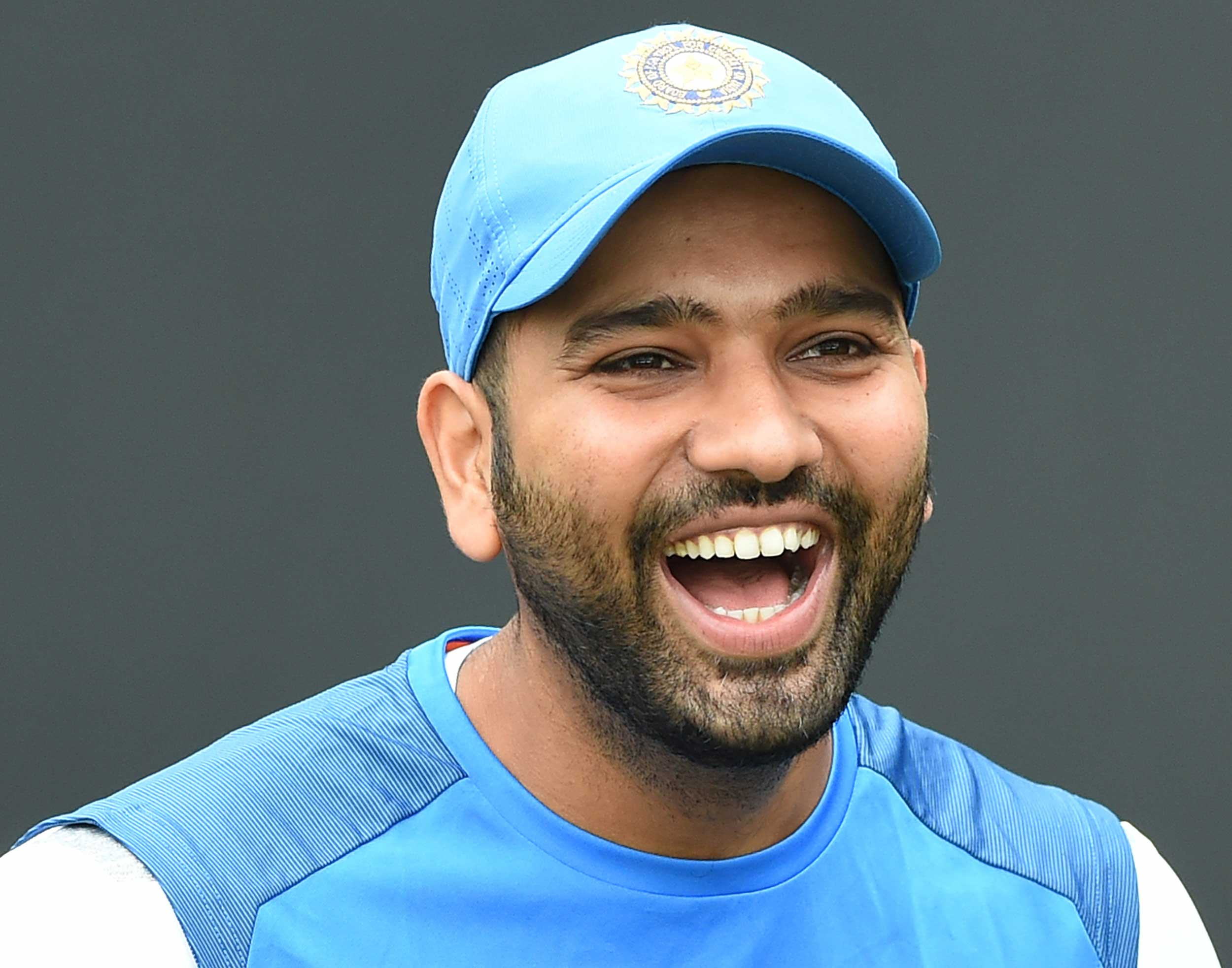 Rohit Sharma offered his business class seat to Mohammed Shami so he could enjoy some leg space.