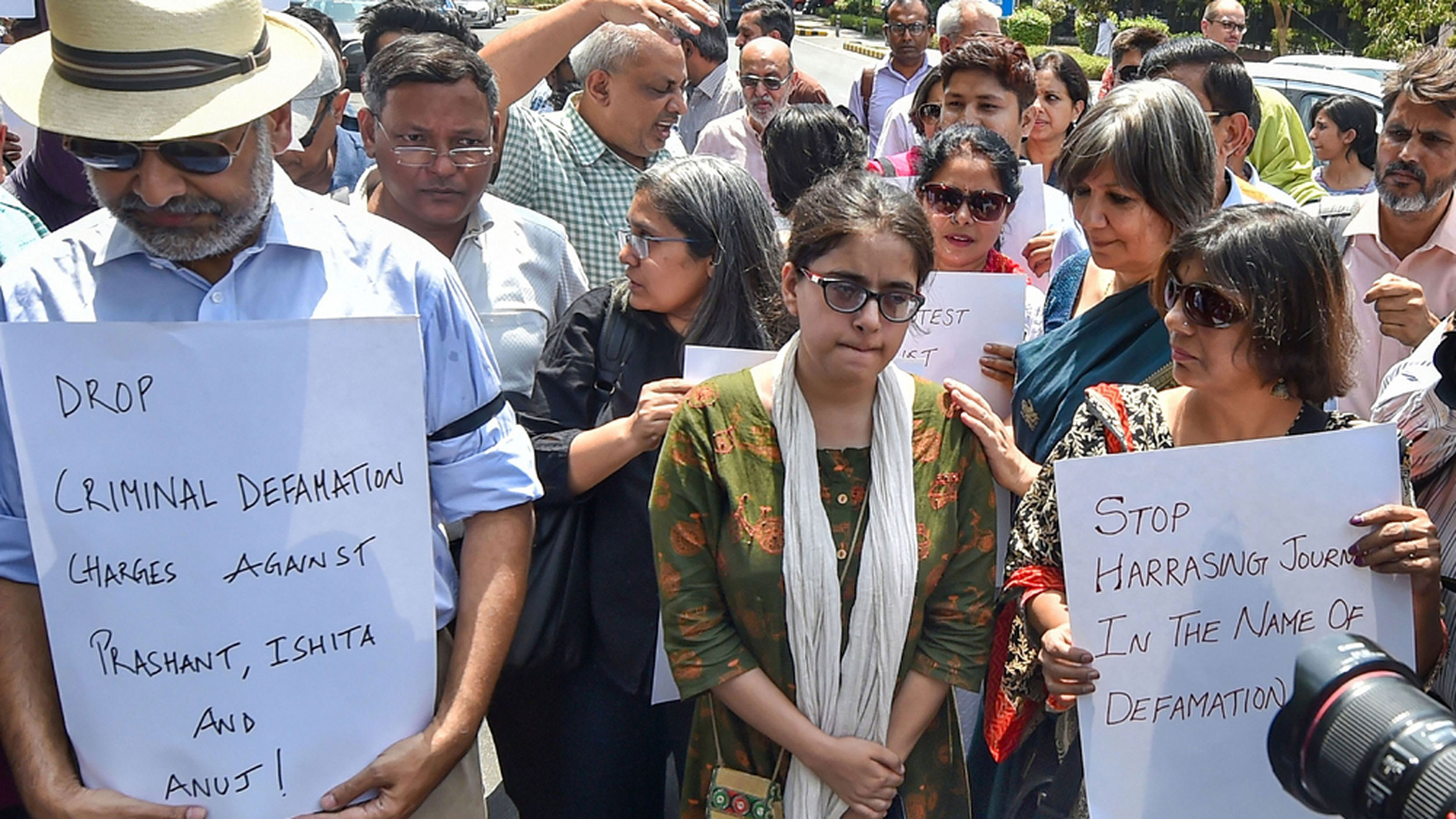 Jagisha Arora, wife of journalist Prashant Kanojia stages a protest against his arrest, at the Press Club in New Delhi on June 10, 2019.