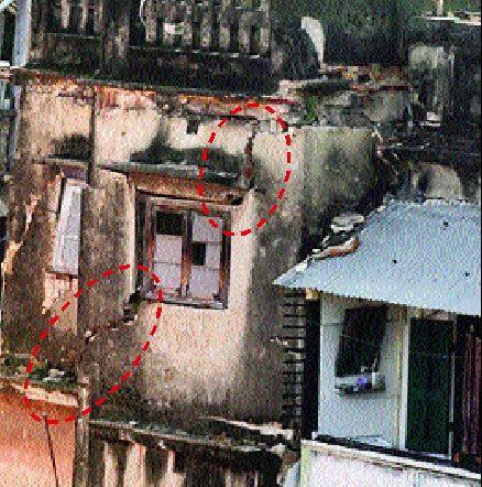 Cracks on a building  in Bowbazar