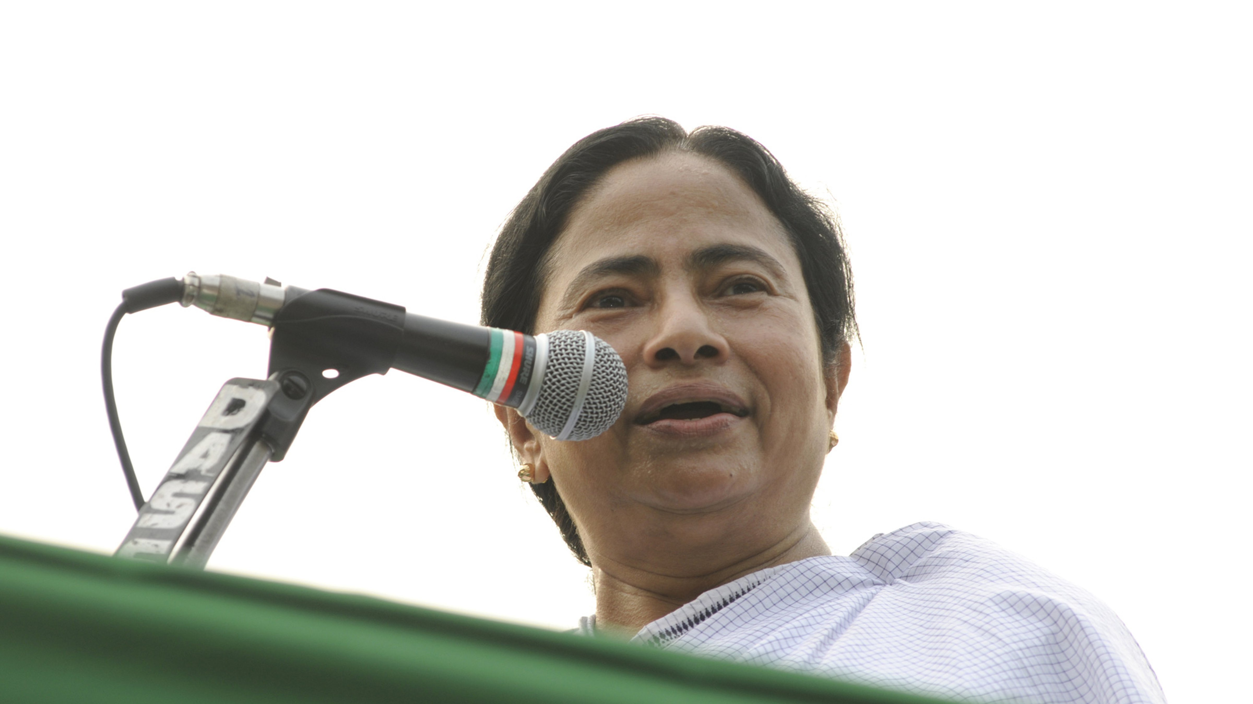 The Mamata Banerjee government is racing against time to ensure that 72 lakh farmers in Bengal get the first instalment of its newly launched Krishakbandhu scheme before an almost similar plan formed by the Centre kicks in.