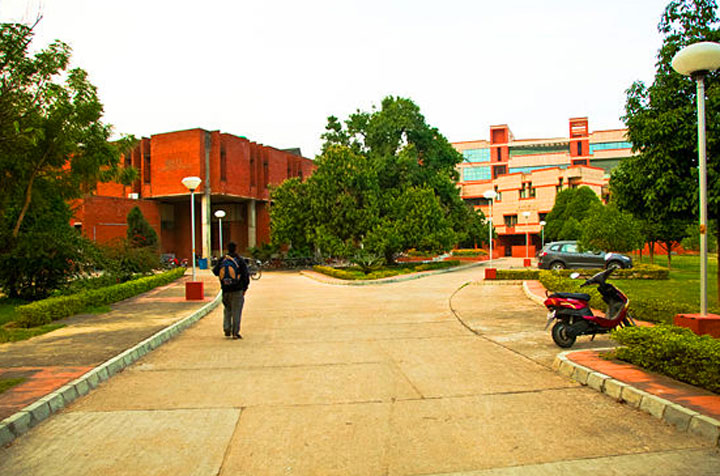 Hum Dekhenge: What will you see, IIT Kanpur?
