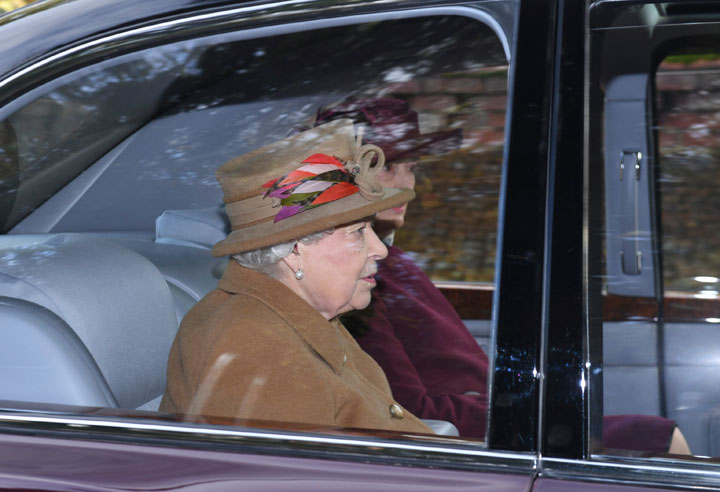 Queen Elizabeth arrives in Sandringham, eastern England