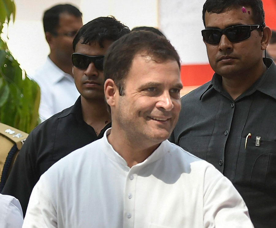 Rahul slams PM, says Modi ran the govt for his 15 friends