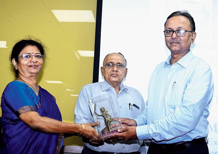 Chaitali Dutta being felicitated by BIT-Sindri director Dharmendra Kumar Singh (right)