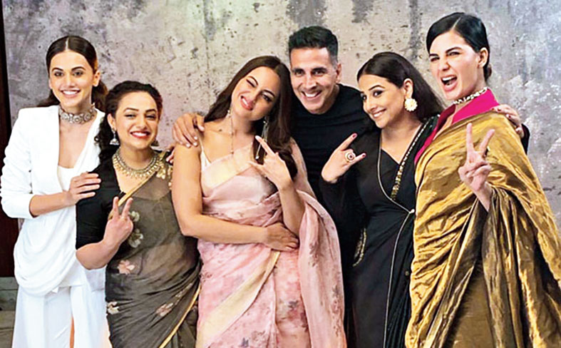 Vidya with her Mission Mangal co-stars — Taapsee Pannu, Nithya Menen, Sonakshi Sinha, Akshay Kumar and Kirti Kulhari