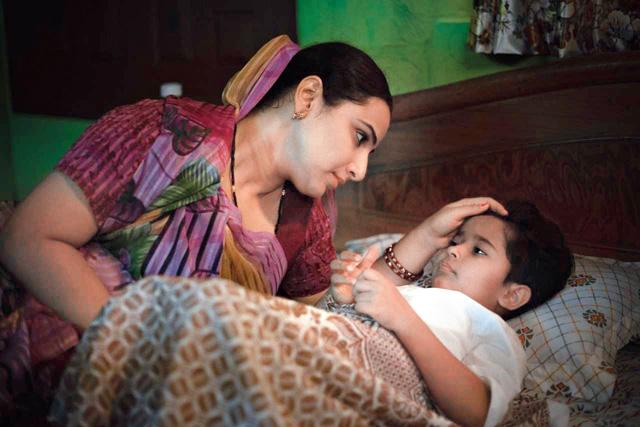 Filial ties: Vidya Balan with Sanika Patel in Natkhat