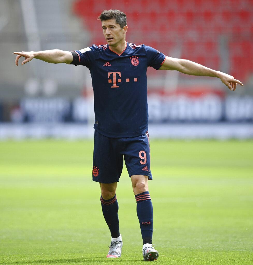 Bayern Munich's Robert Lewandowski gestures during the German Bundesliga football match between Bayer Leverkusen and Bayern Munich in Leverkusen on Saturday