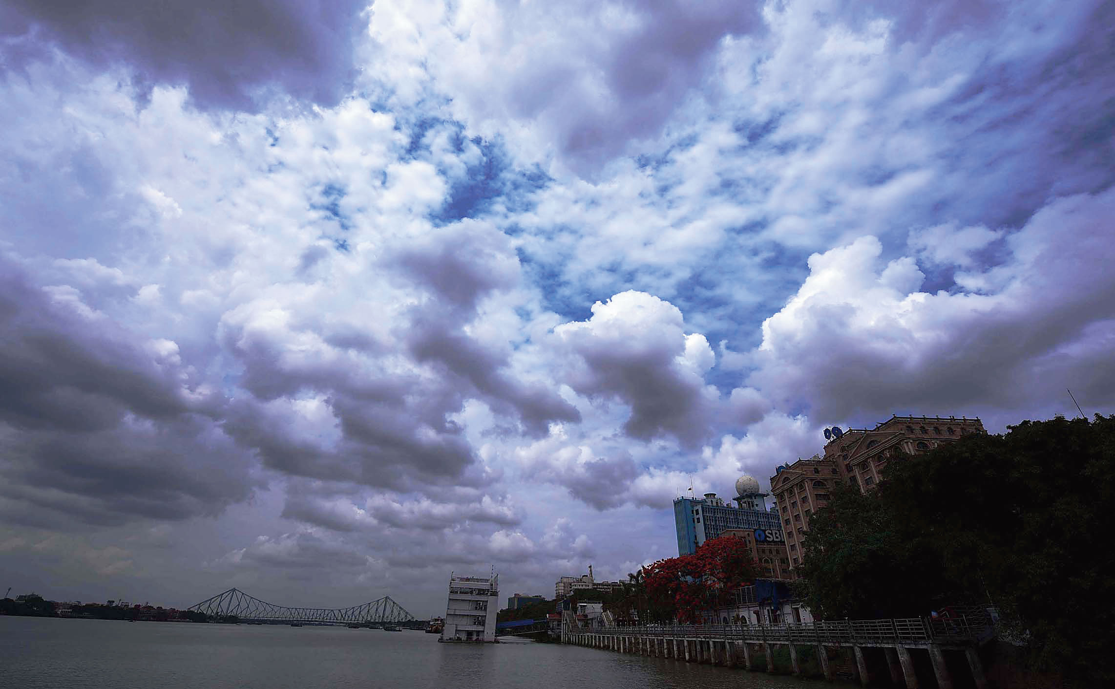 The overcast sky over the Hooghly around 1pm on Thursday.