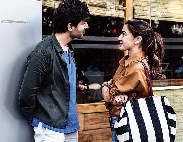 Kartik Aaryan, Sara Ali Khan in Love Aaj Kal 2020