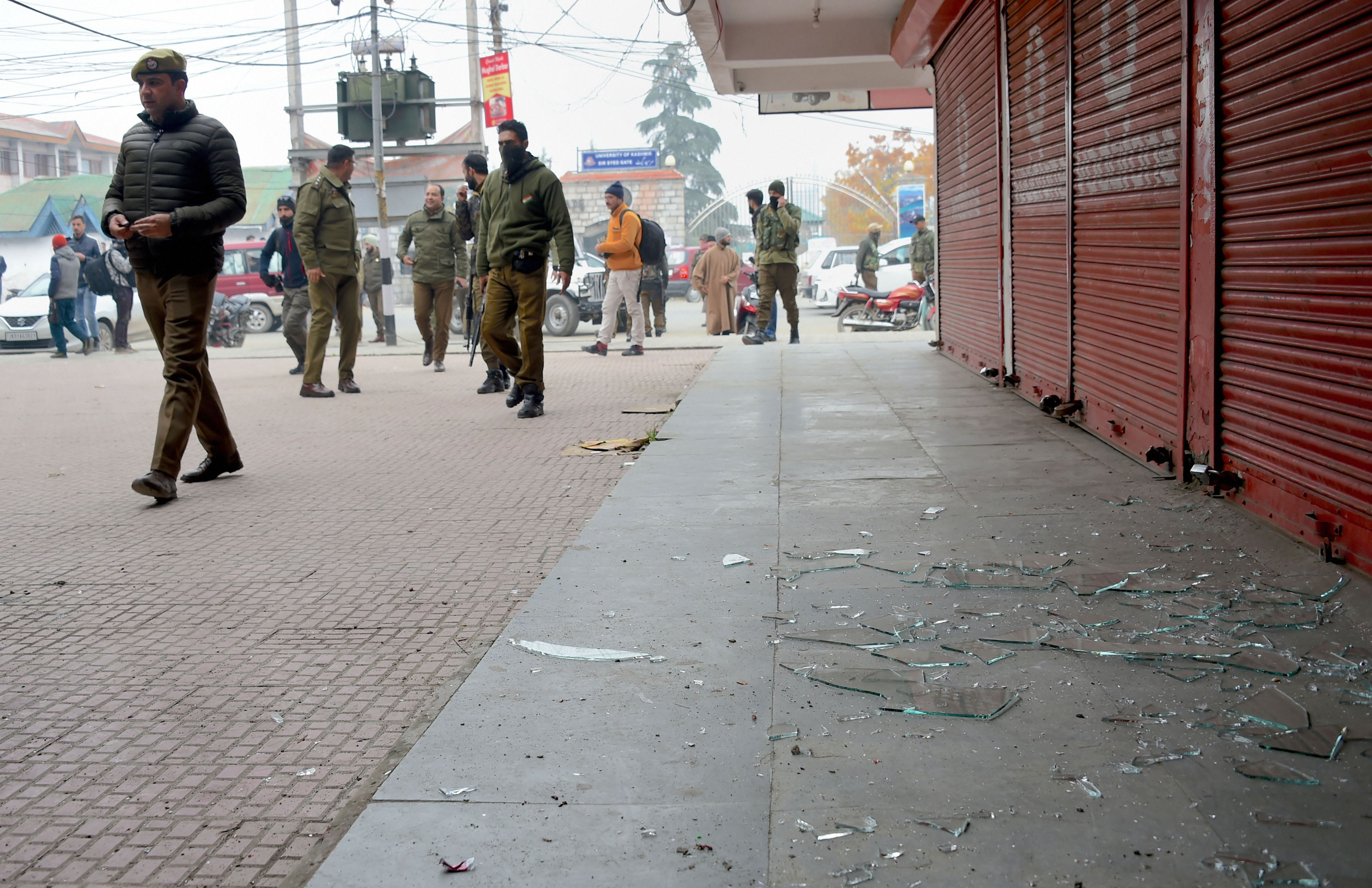 Police officials arrive at the spot of a low-intensity blast by suspected militants at Hazratbal on the outskirts of Srinagar, Tuesday, November 26, 2019.