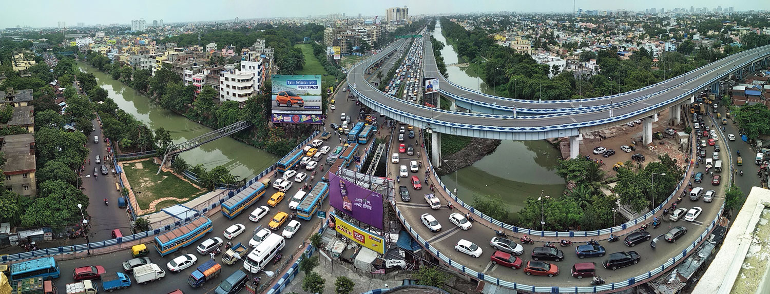 Closure of the flyover that connects the Bypass with VIP Road resulted in the snarls.