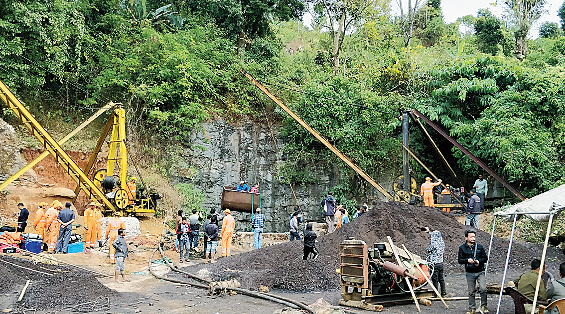 Rescue work in progress in Meghalaya's East Jaiñtia Hills