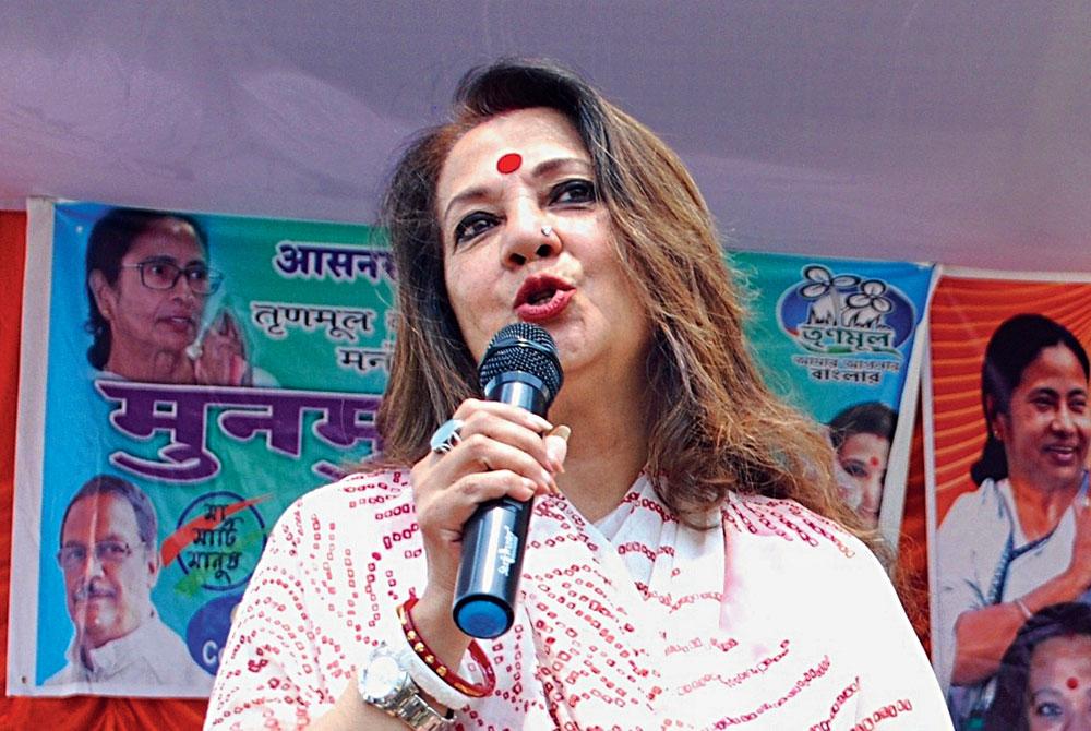 Moon Moon Sen campaigns in Asansol