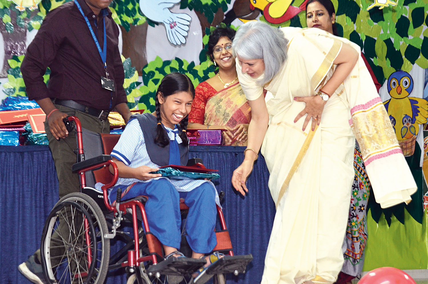 Afsara Khan loves to take part in cultural programmes and enjoys dancing from her wheelchair. She got a prize for general proficiency at the annual prize day of Indian Institute of Cerebral Palsy (IICP) on Friday. The award was handed over by Suvina Shunglu, the principal of Sri Sri Academy.