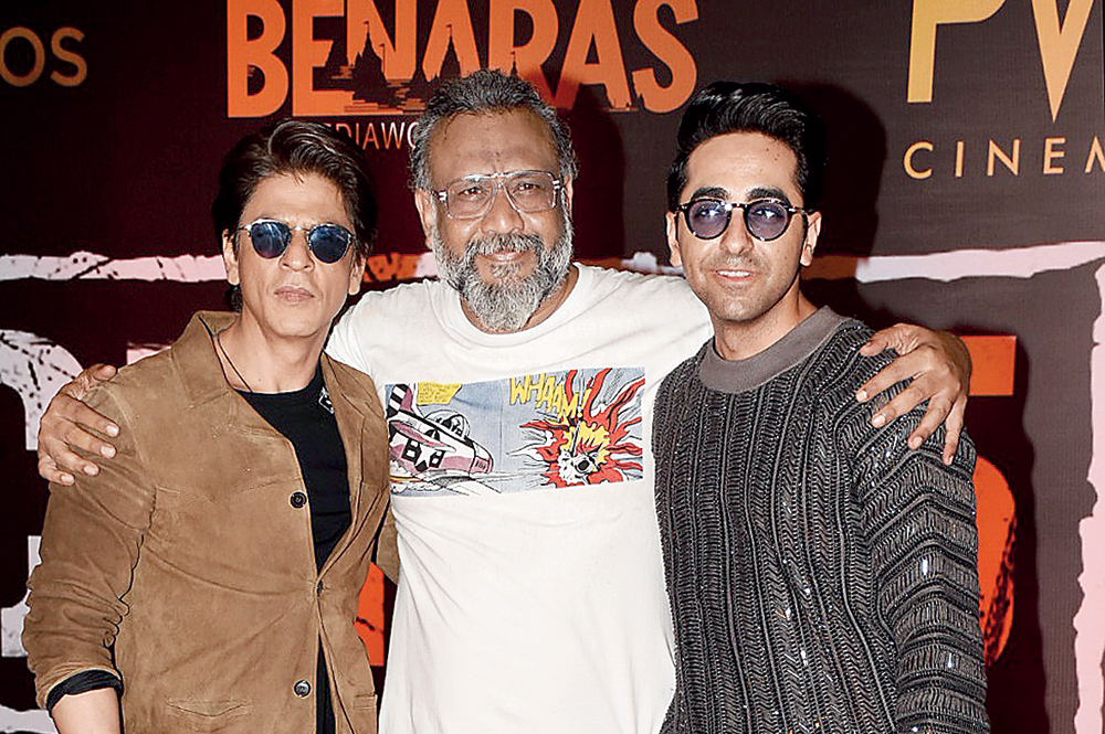 Article 15 director Anubhav Sinha (centre) with Shah Rukh Khan and Ayushmann Khurrana at the film's special screening on Wednesday