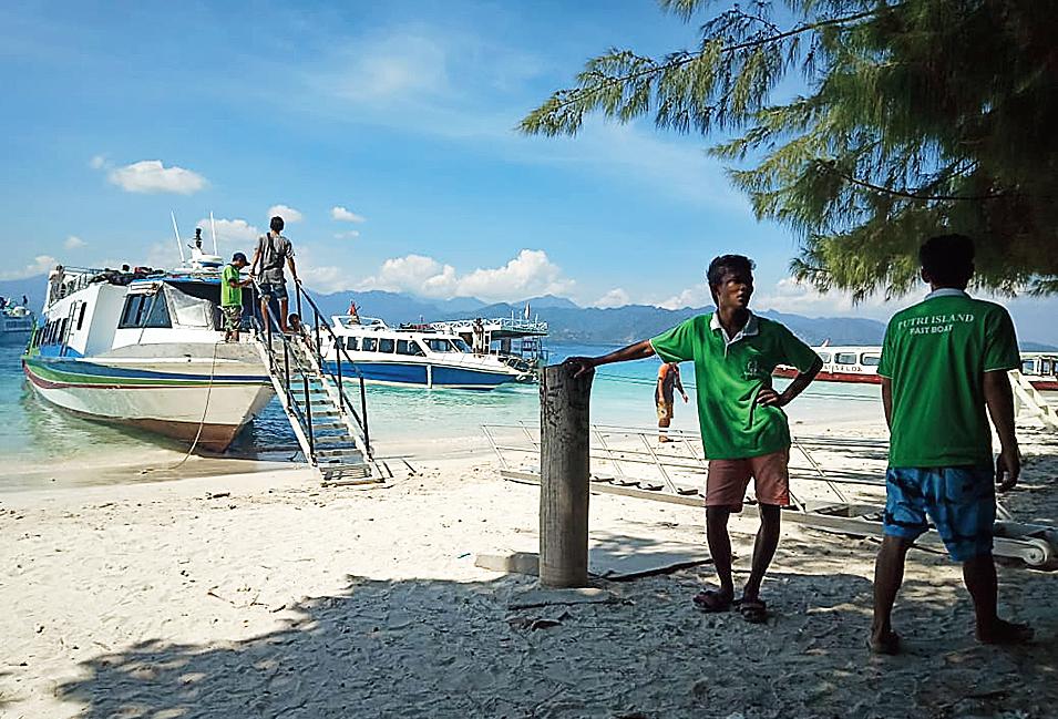 The pier at Gili Trawangan