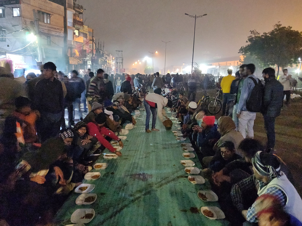 Hot food for protesters at Shaheen Bagh