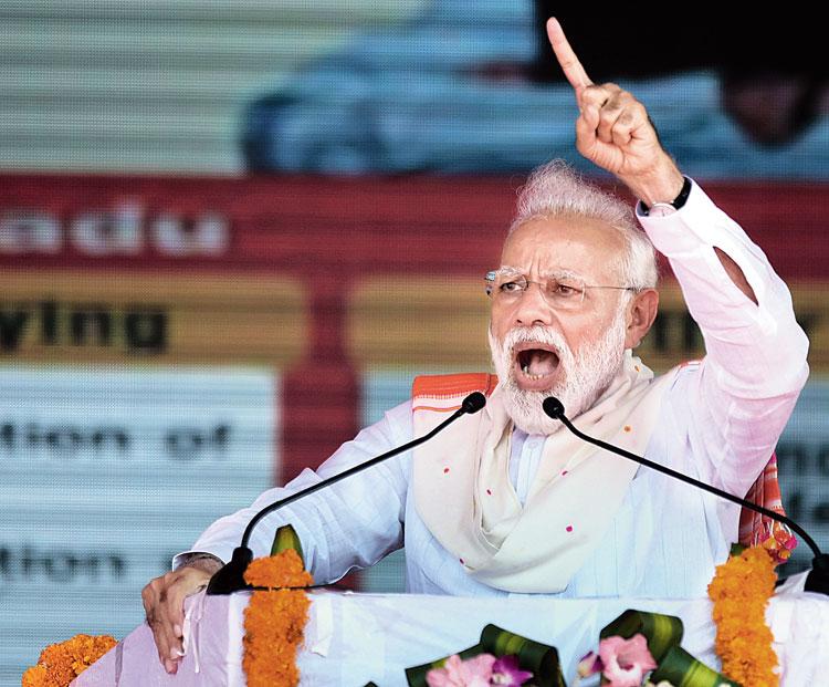 'Cease politics' sermon with 'dynasty' jab