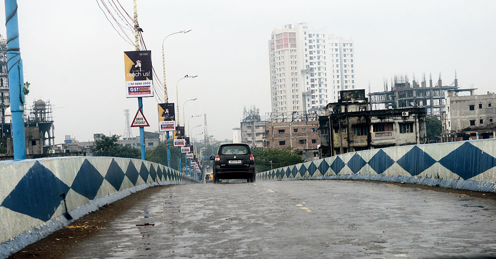Senior officials of the transport department said the decision to open the motor vehicle offices was taken by transport minister Suvendu Adhikari within hours of chief minister Mamata Banerjee's announcement that places of worship could reopen from June 1 with a ceiling of 10 devotees at a time.