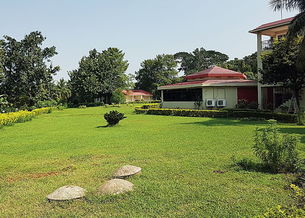 "Peerless Resort Mukutmanipur is a 5.5-acre property with 25 cottages, either lake- or garden-facing. ""Since it can get rather hot during summer, guests prefer indoor activities during the day. The evenings are pleasant and that's when they head out for sight-seeing,"" says resort manager Pallab Sengupta."
