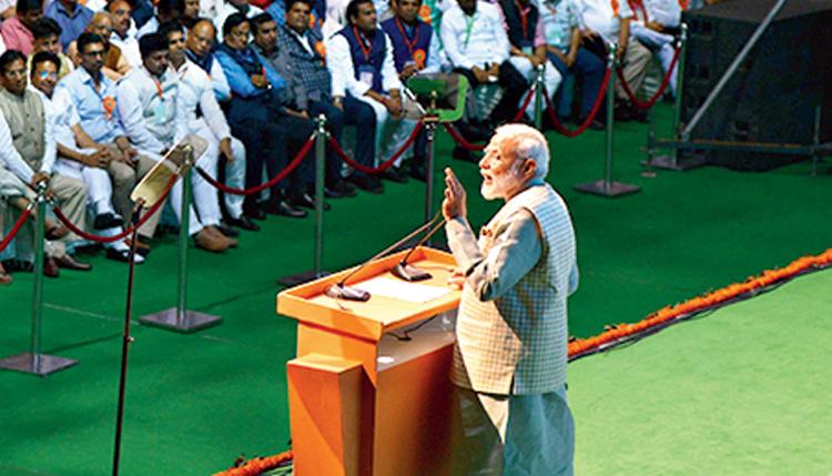 Modi seeks to pacify traders