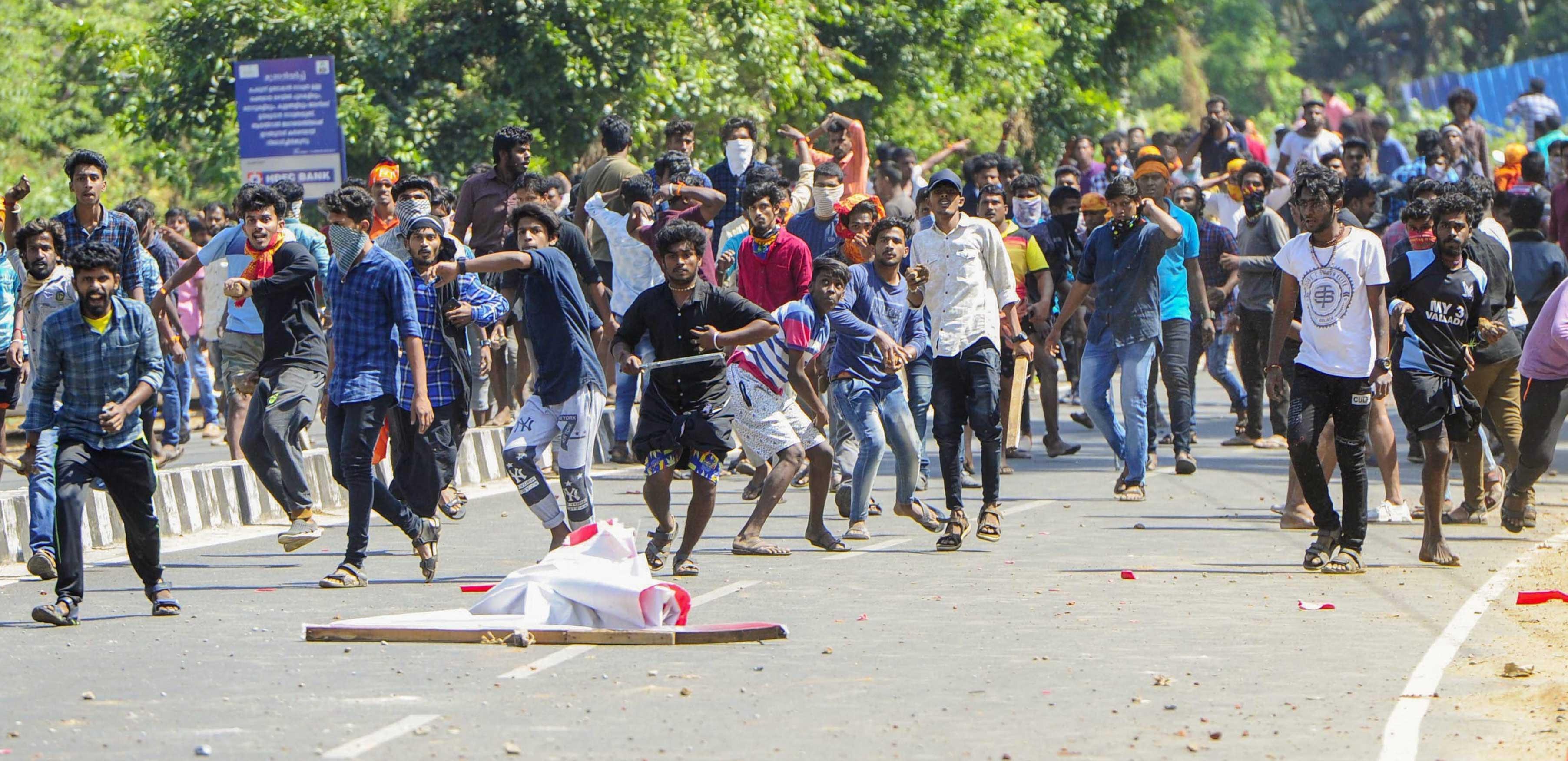Parivar plays with Kerala fire as it tries to enforce a shutdown