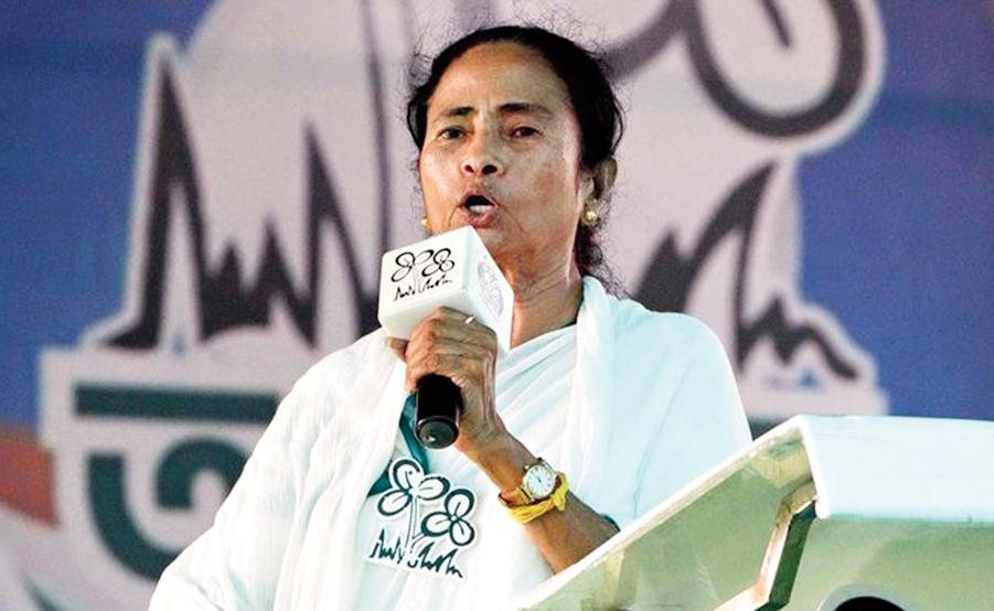 Mamata at a rally in Baruipur, South 24 Parganas, on Sunday.