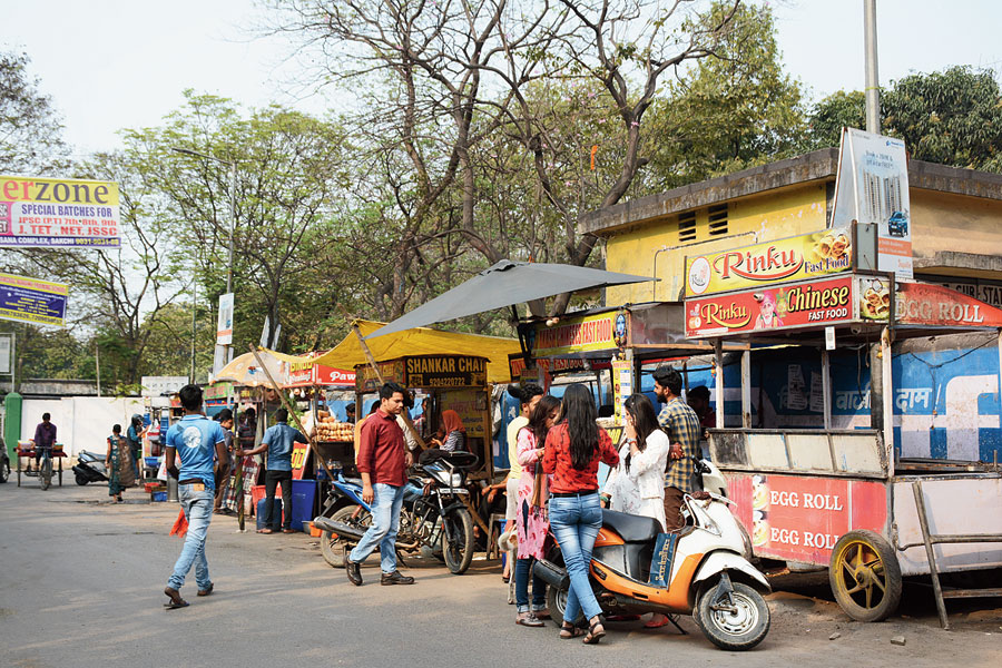 Street-food vendors in Bistupur, Jamshedpur, on Friday.