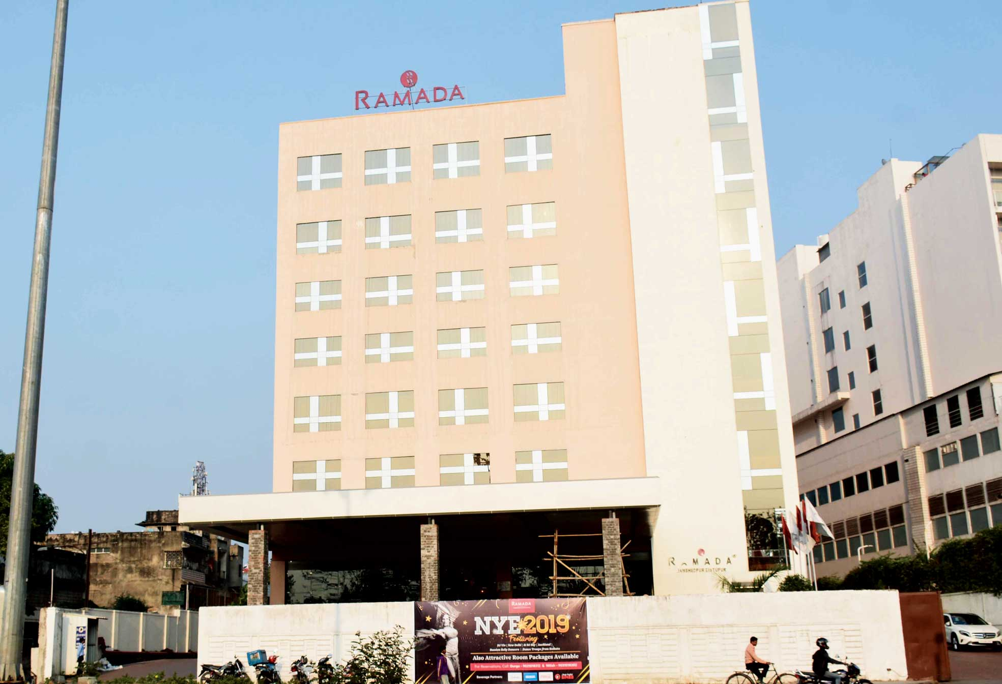 Hotel Ramada is one of the hottest joints for New Year revelry.