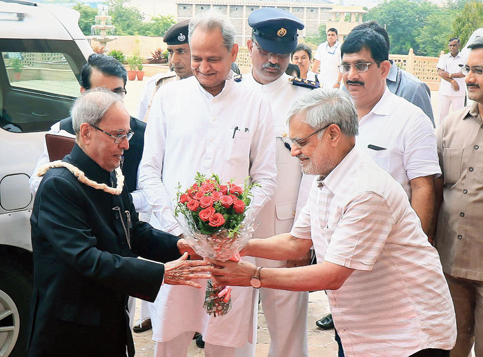 'Carry along those who didn't vote for you': Pranab Mukherjee
