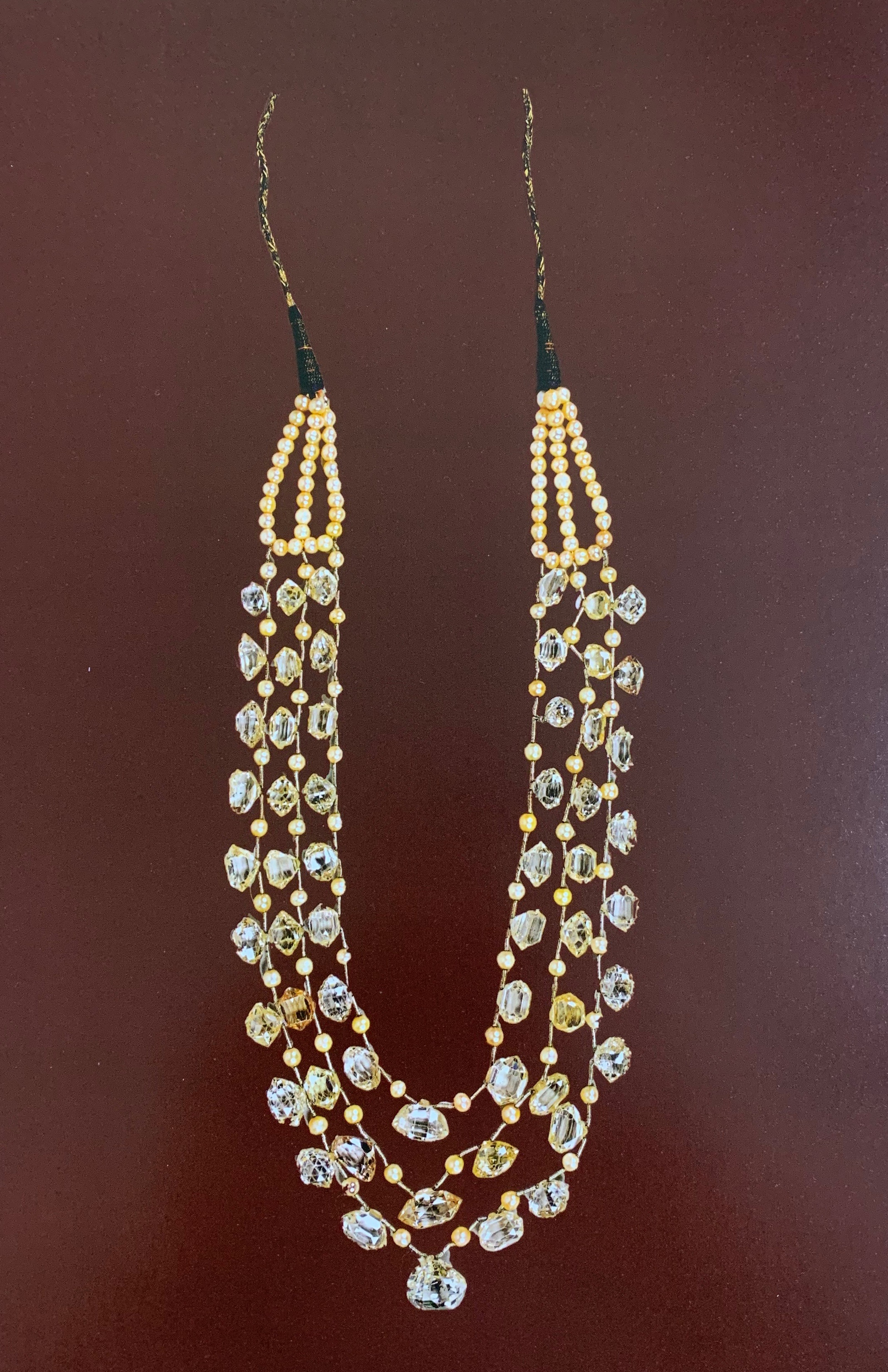 Kanthi Dolna Almas Wa Mothi -- Necklace of diamond beads strung with pearls
