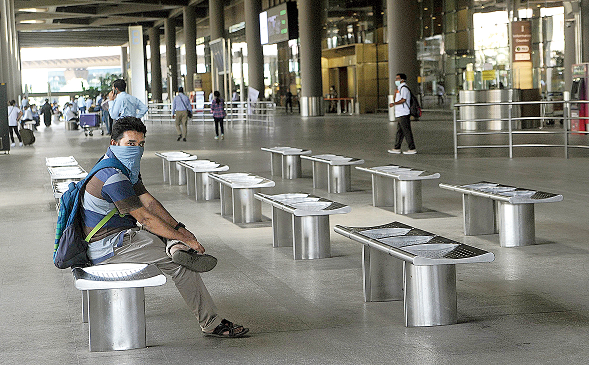 A deserted Mumbai international airport