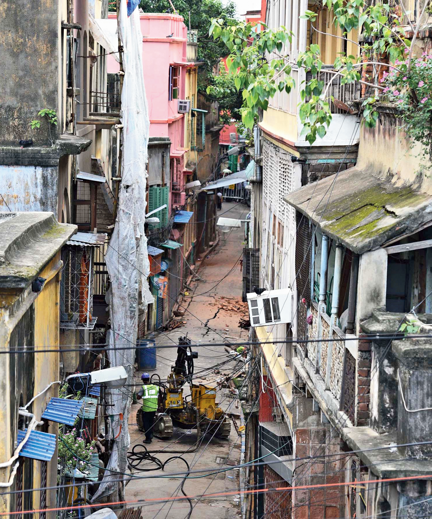 A crack in Durga Pituri Lane in Bowbazar where East-West Metro's tunnel-boring work was on.