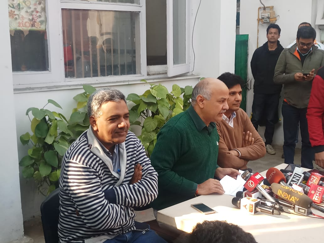 (Left to right) Arvind Kejriwal's media advisor Nagendar Sharma, Deputy CM Manish Sisodia, AAP delhi unit secretary Saurabh Bharadwaj at a press conference.
