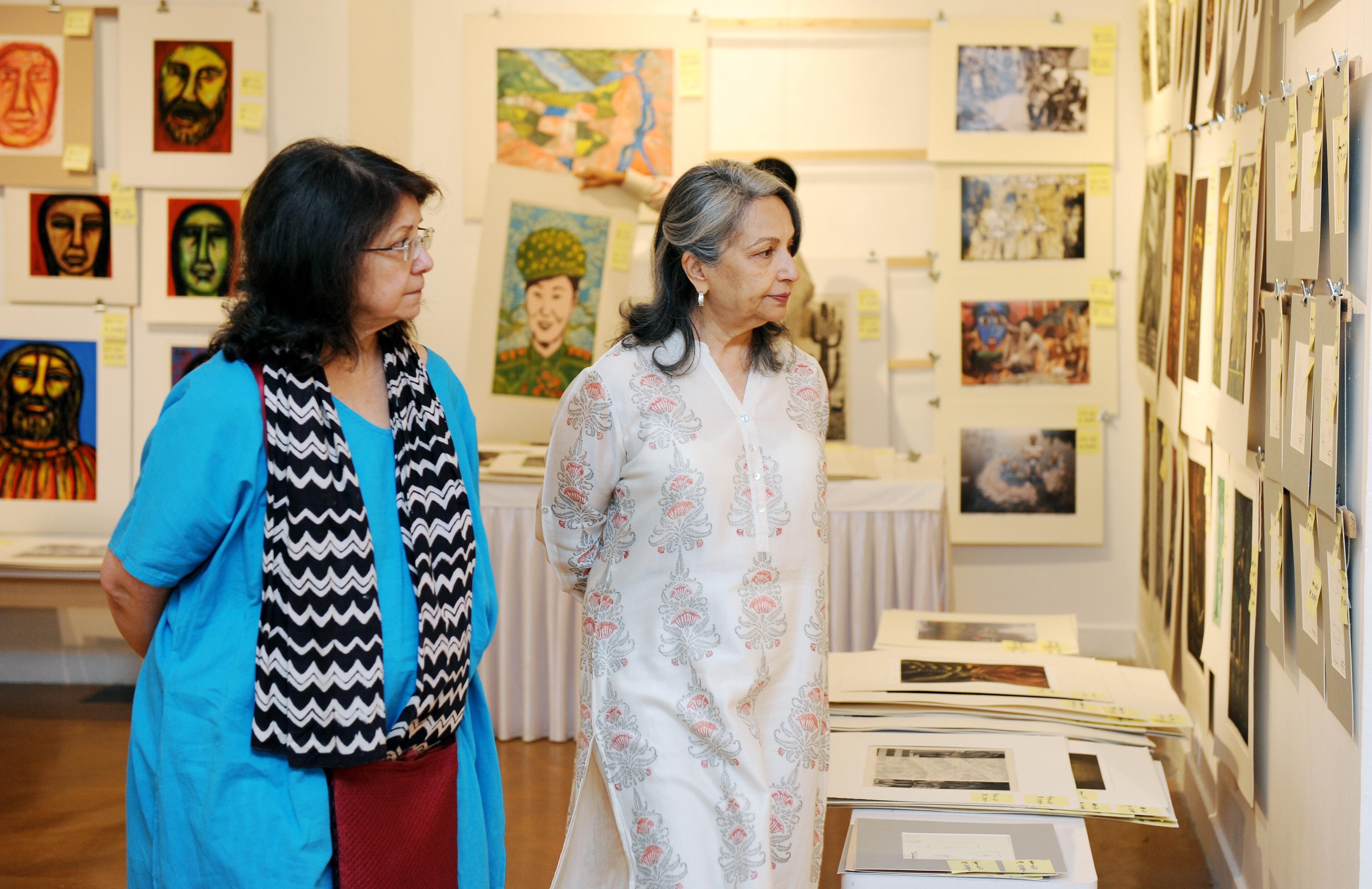 Sharmila Tagore with CIMA Art Mela founder Rakhi Sarkar