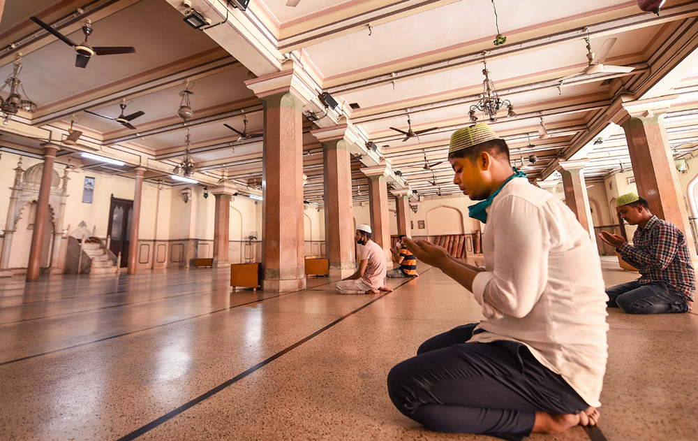 Prayers being offered at the Nakhoda Masjid during ongoing Covid-19 lockdown, in Calcutta, Sunday, June 7, 2020.